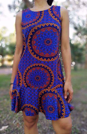 Imagen de Vestido estampado cerrado azul