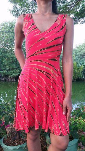 Imagen de Vestido viscosa tie dye rojo